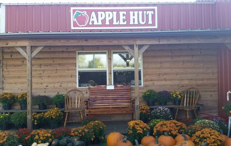 Plenty of pickins' at the Apple Hut