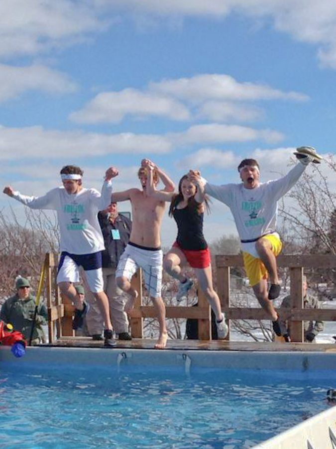 UW-Whitewater students take the plunge into freezing water