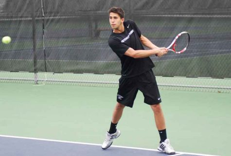 Men's Tennis: Seniors lead team past No. 9 Coe