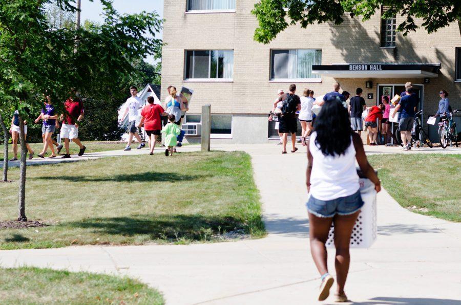 Freshmen Move-in Day 2013
