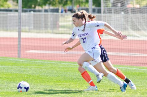 Women's Soccer: 'Hawks remain undefeated