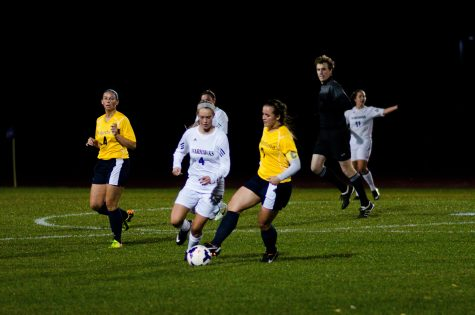Women's Soccer: `Hawks enter WIAC tourney unblemished