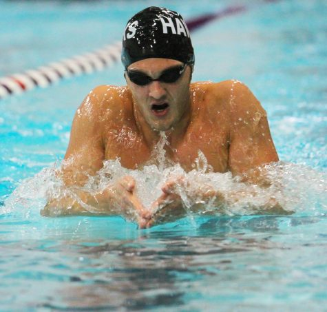 Men's and Women's Swim & Dive: Swimmers suffer first defeat