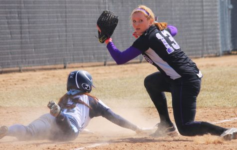 Softball: 'Hawks go 3-1 in doubleheaders, now 14-3