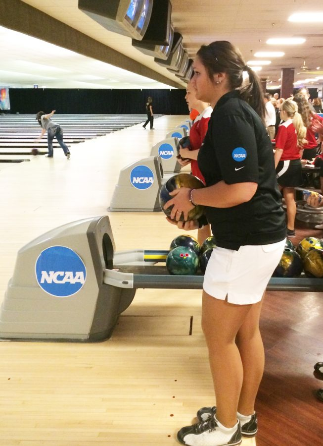 Women's Bowling: 'Hawks achieve historic finish