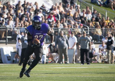 'Hawks get homecoming win