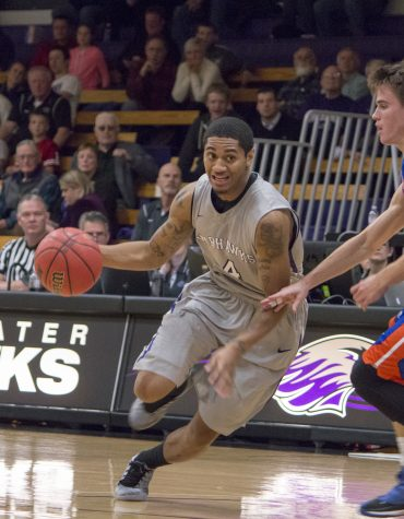 Warhawks win sixth straight
