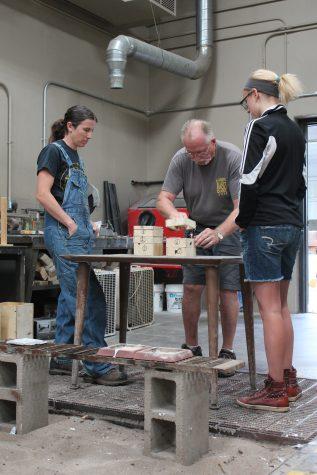 Sculptor reveals secrets to students