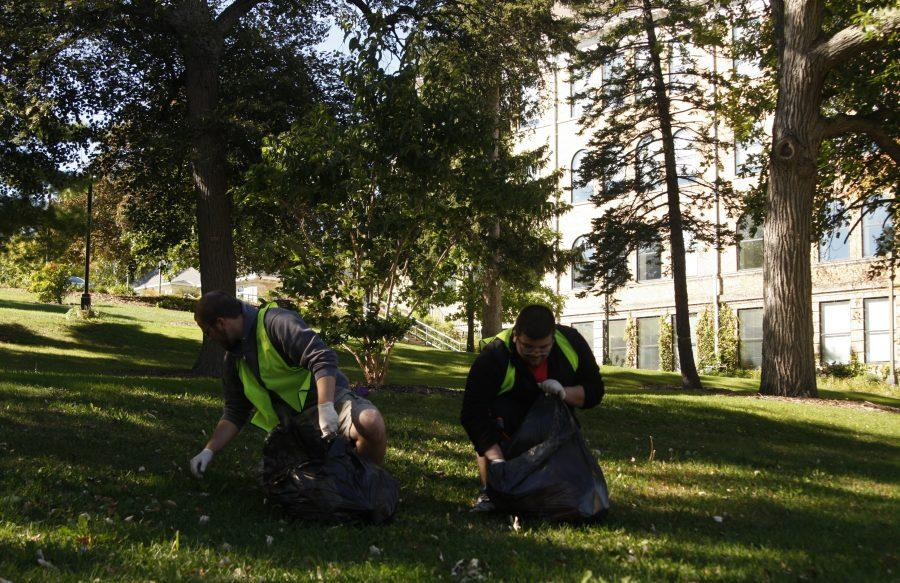 'UW-W Pick it Up!' cleans campus