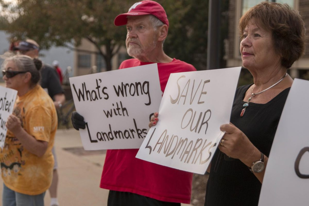 Proposed landmark ordinance dies at council