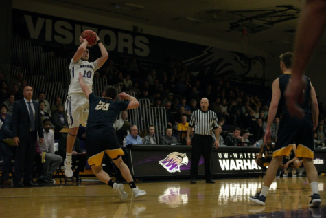 Three is key in Warhawks' victory