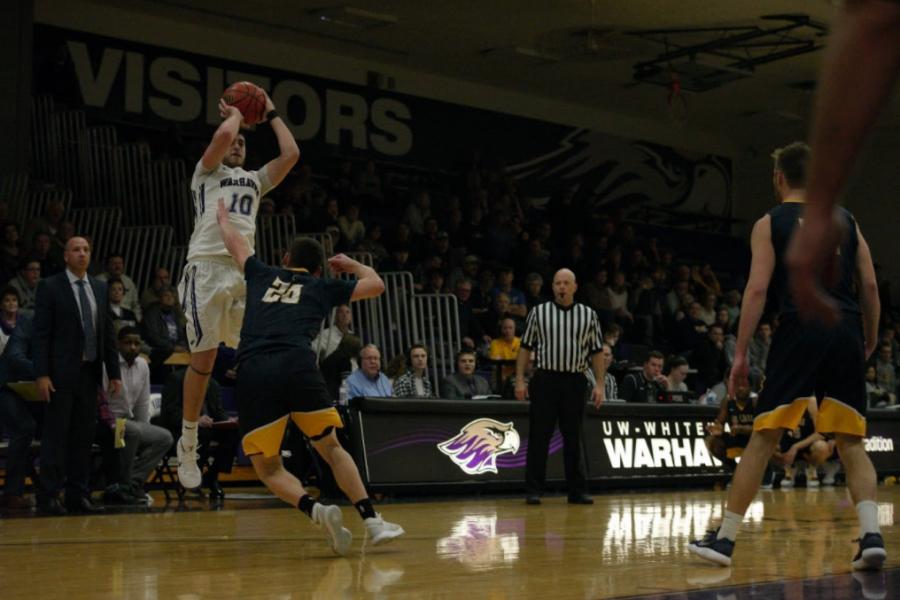 Three is key in Warhawks' victory