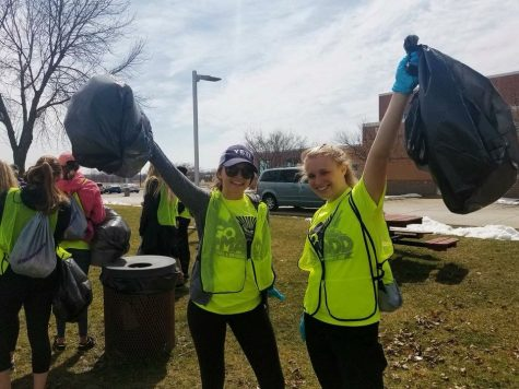 UW-W students take part in annual volunteer project