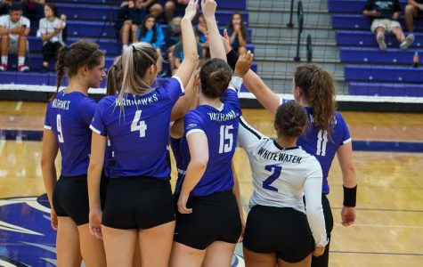 Women's volleyball dominates four match week