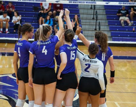 Women's volleyball dominates four match week