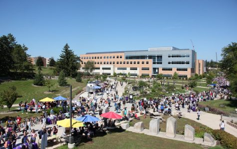 Campus leaders promote engagement at fair