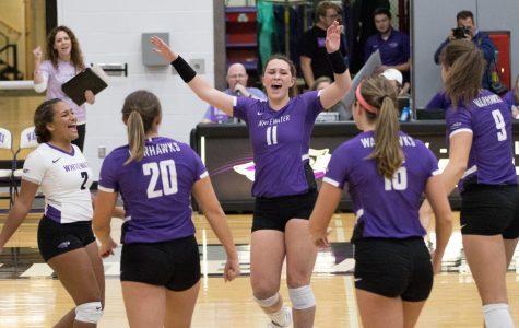 Women's volleyball consistent in Elmhurst Invitational