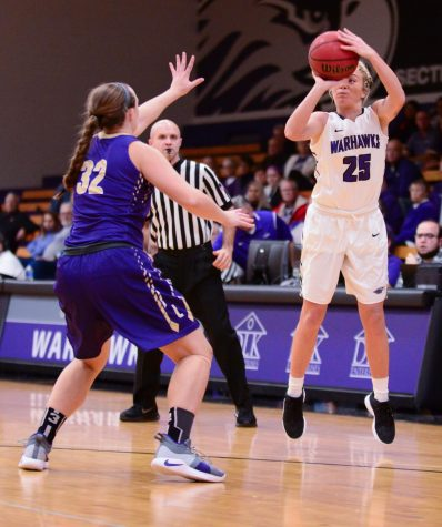 Women's basketball loses in battle of 'Hawks
