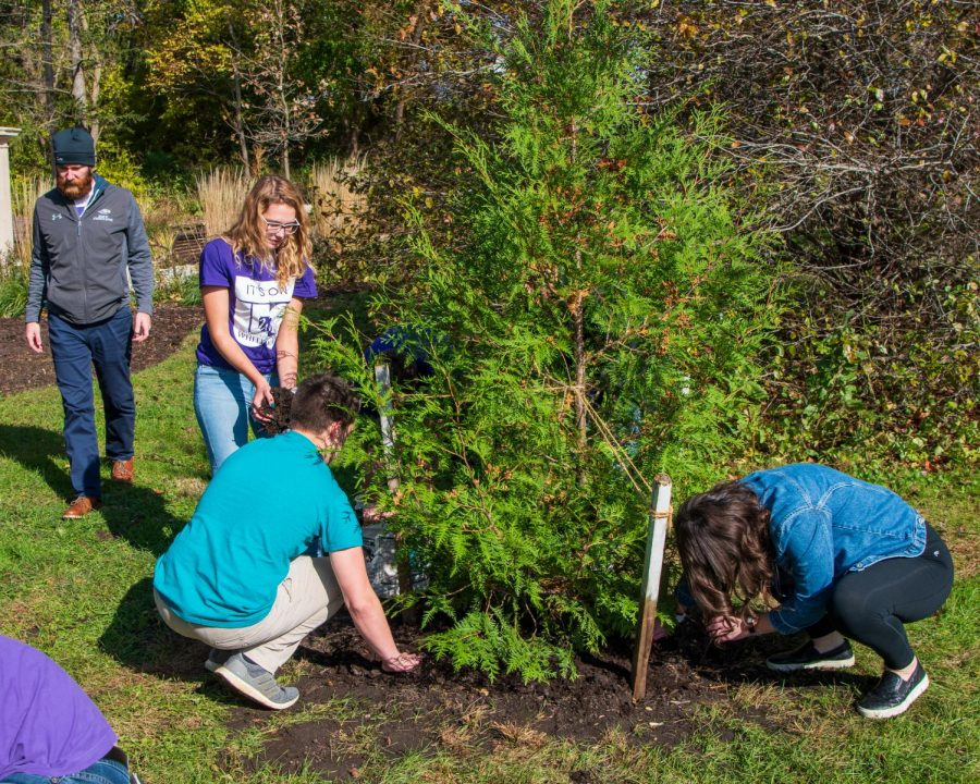 Participants+of+Whitewater+Student+Government%E2%80%99s+sponsored+It%E2%80%99s+On+Us+week%2C+panted+trees+during+the+tree+planting+memorial+ceremony+at+the+Campus+Memory+Garden.%0A