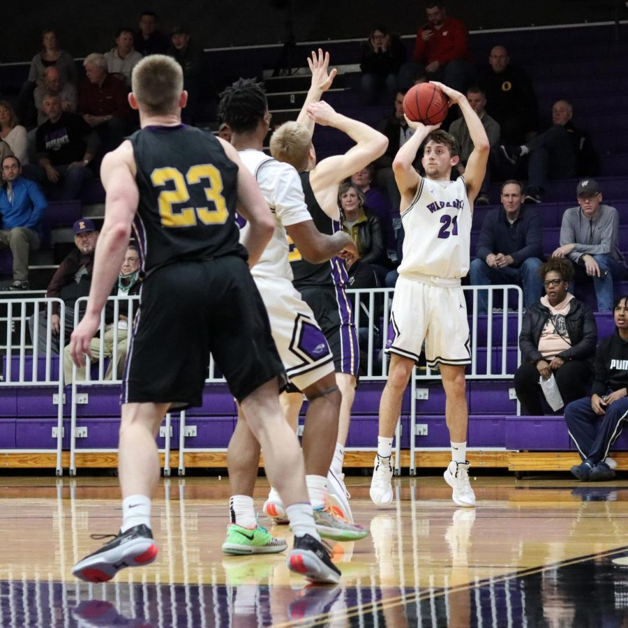 Freshman+Austin+Gates+has+been+a+3-point+threat+for+the+Warhawks+all+season%2C+and+his+shot+with+2%3A10+left+in+the+game+broke+a+tie+late+in+the+fourth+quarter.+He+finished+with+a+career-high+nine+points+against+Platteville.+