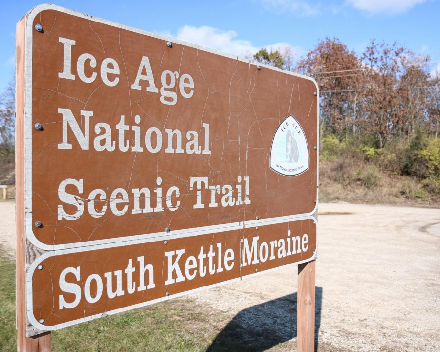 Informational sign for the south Kettle Moraine section of the Ice Age National Scenic Trail.